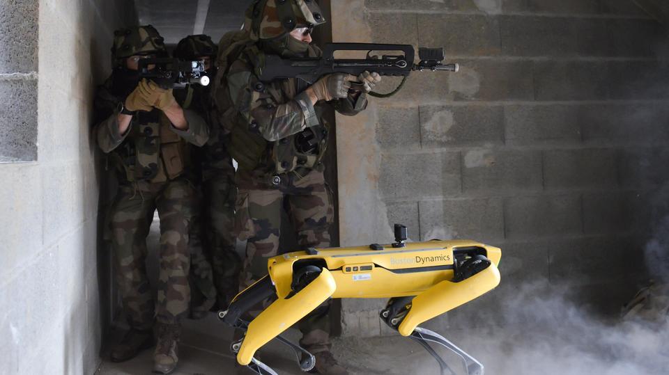 四足歩行ロボット「Spot」がフランス軍の訓練に参加