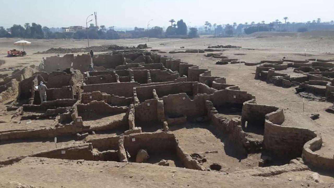 エジプトの失われた古代都市、100年に1度級の大発見
