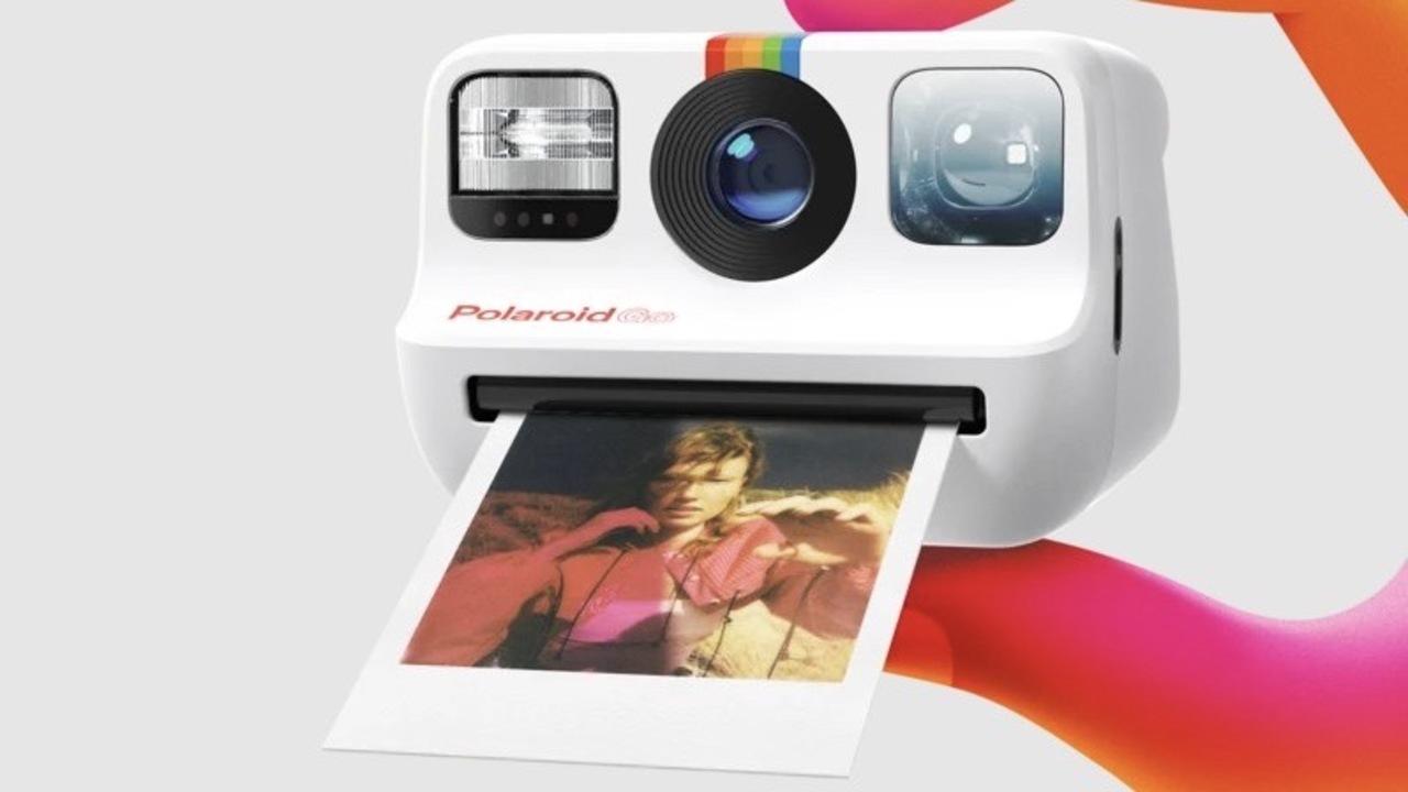 手のひらサイズになった「Polaroid Go」。二重露光やセルフタイマーもあるよ