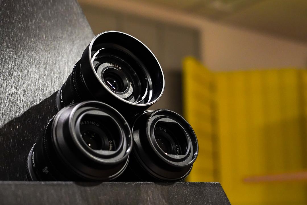 ソニーの小型・軽量なフルサイズGレンズ三兄弟。24mm・40mm・50mm をまるっと試し撮り