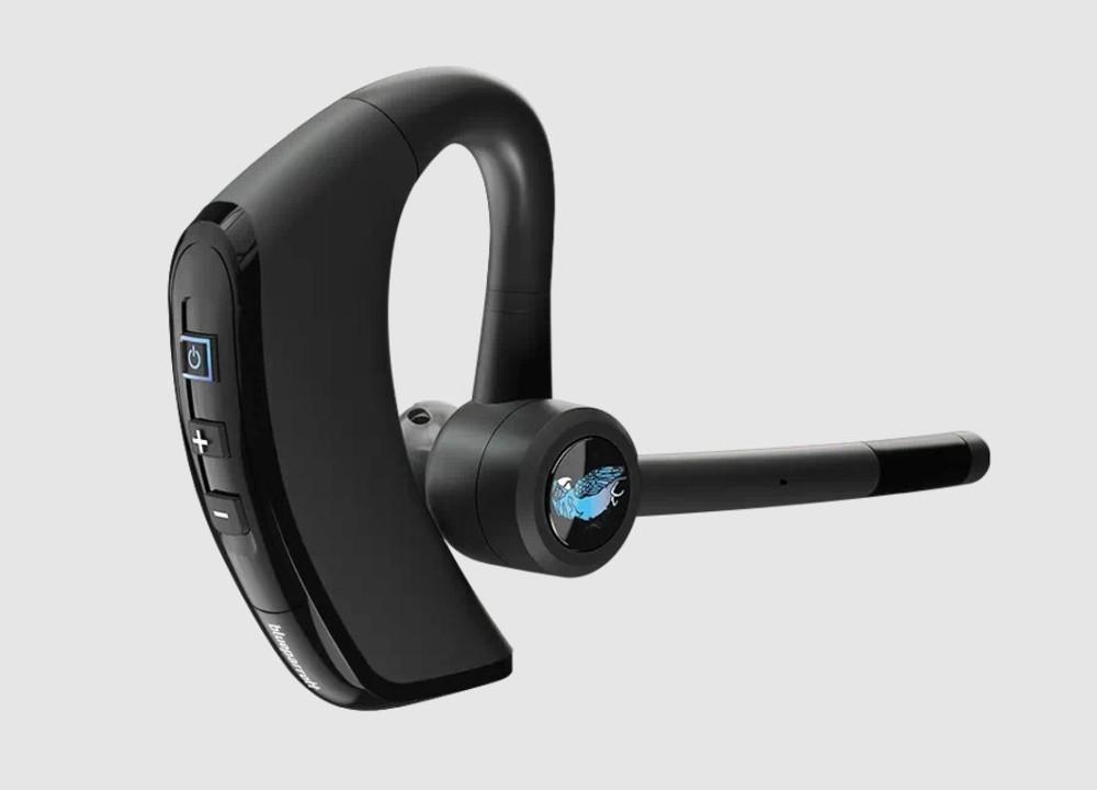 14時間つけっぱなしでOK。20gの軽さでマイク搭載の片耳Bluetoothイヤフォン