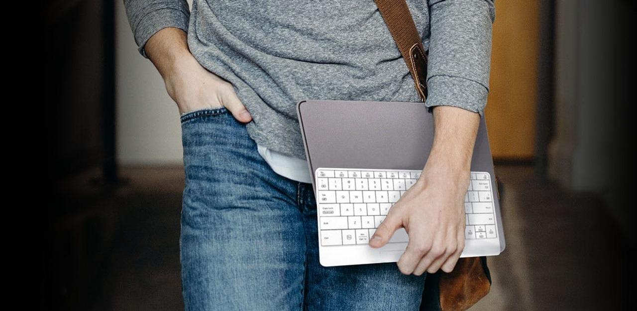 iPadやiPhoneでも使える! タッチパッド機能付きキーボード「mokibo」