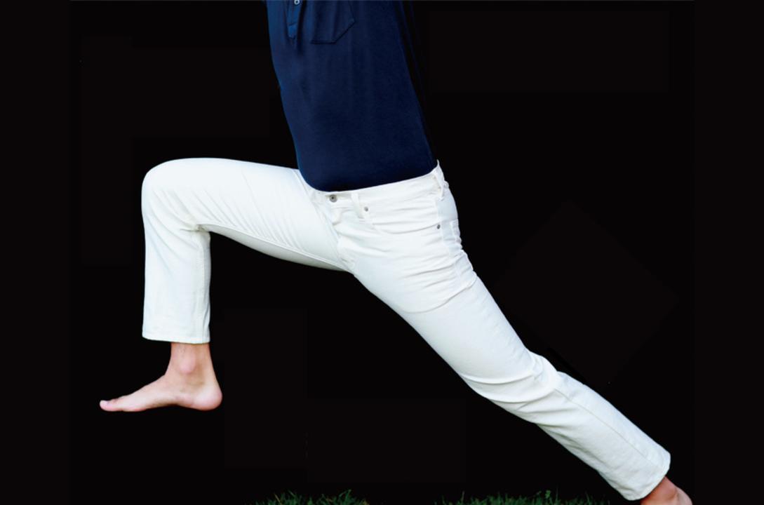 夏に穿きたい1本! ストレッチと撥水仕様でアクティブに使える国産ホワイトデニムの先行販売が終了間近