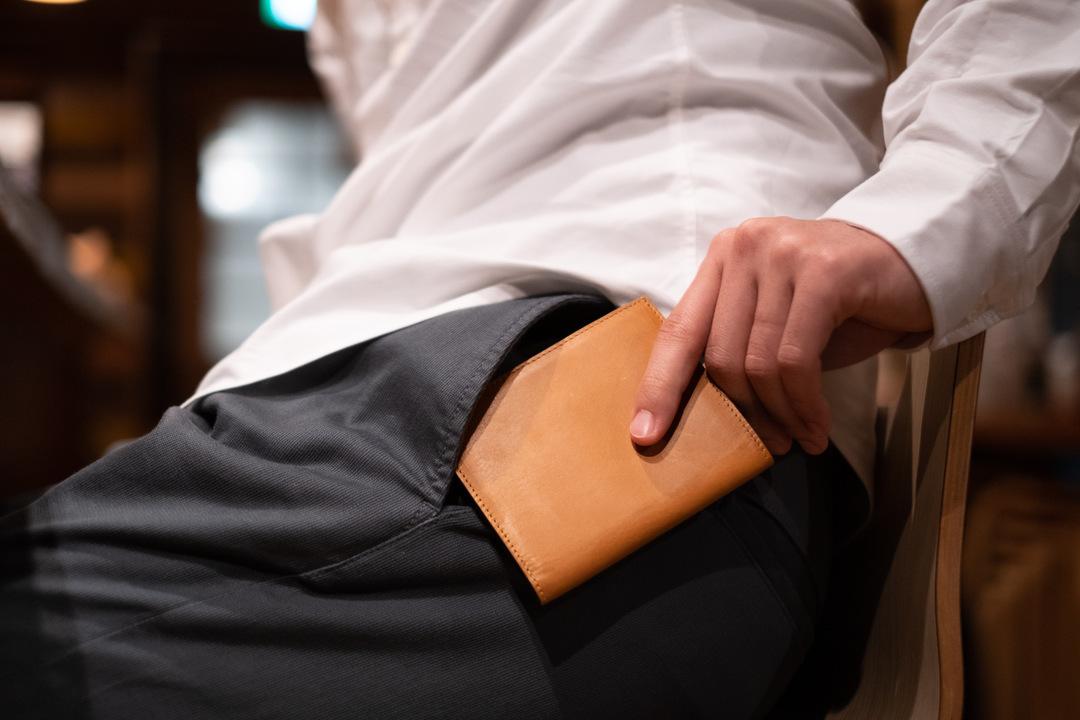 1500人が購入済み!注目を集める薄型財布に隠された革新性