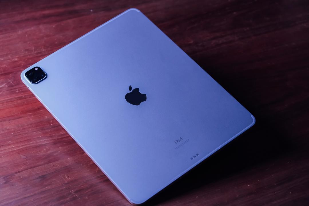 新型iPad Proがきた。ハイスペックすぎて使いこなせないと思ってたけど、気にしないことにした