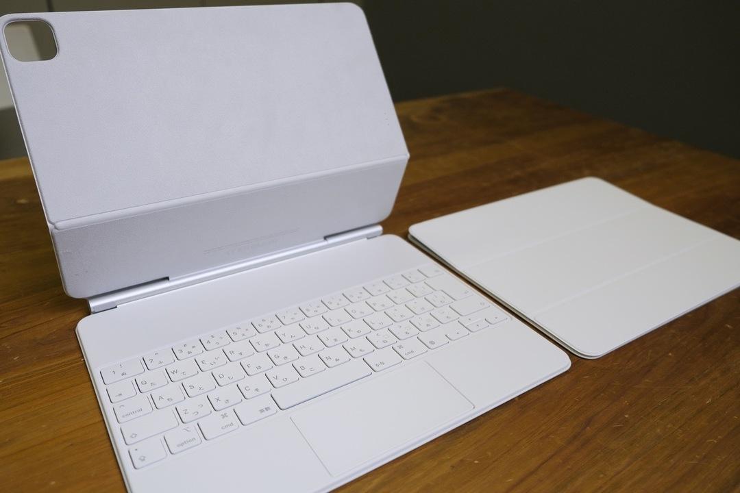 ホワイトなiPad Proカバーが白すぎて、暮らしの清潔感も上がっちゃいそう