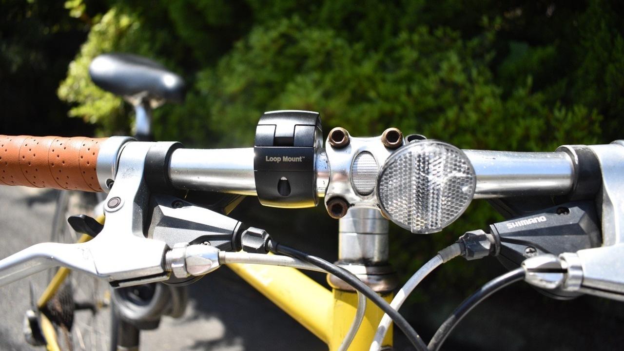 自転車との一体感が絶妙!? 自転車用スマホマウント「LOOP MOUNT」を試してみた