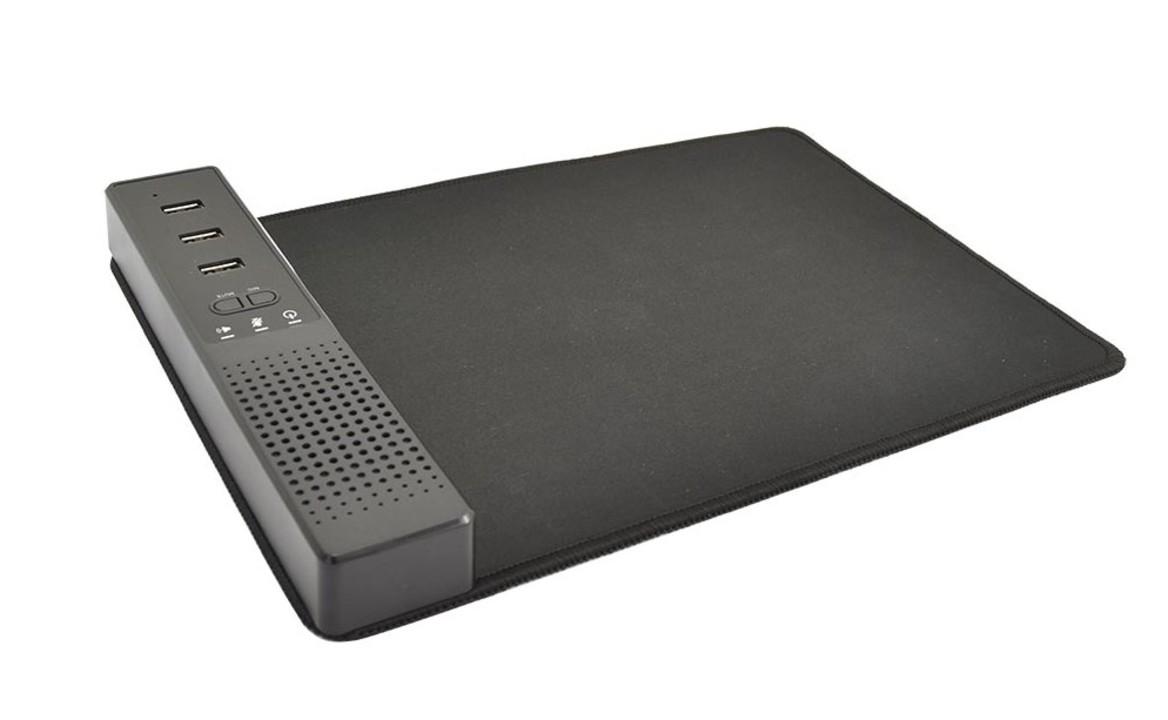 多機能すぎぃ! スピーカーと360度全指向性マイクに3口のUSBポートまで付いたマウスパッド
