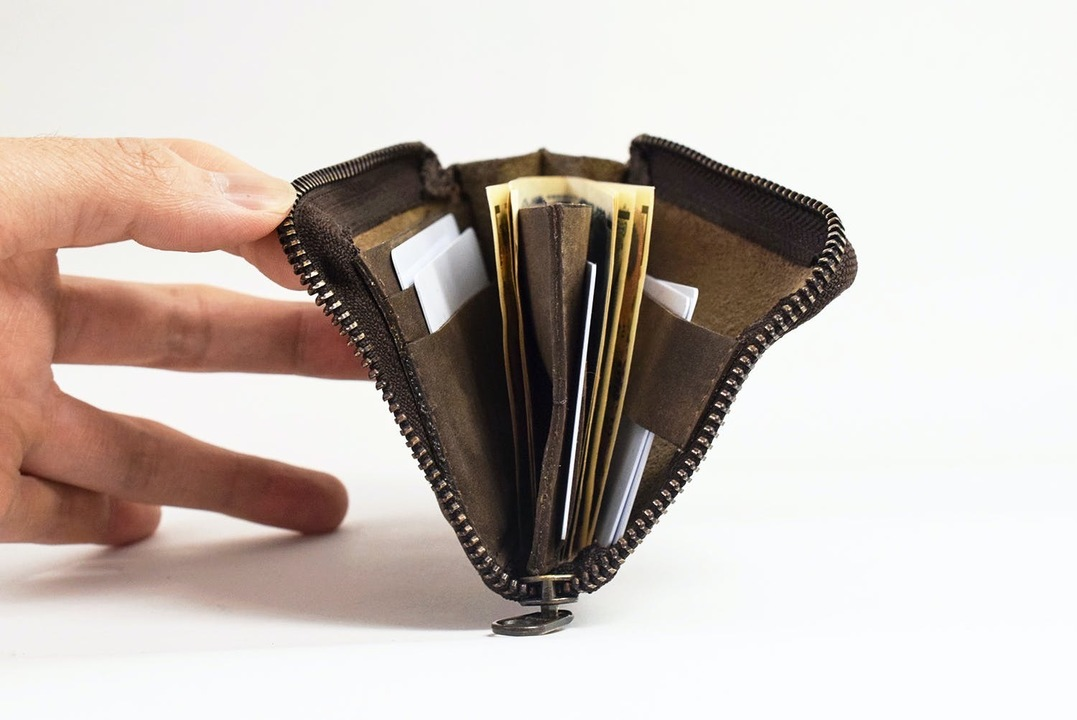 シリーズ累計1億円超え。キャッシュレス時代に最適化した本革財布「TIDY one」