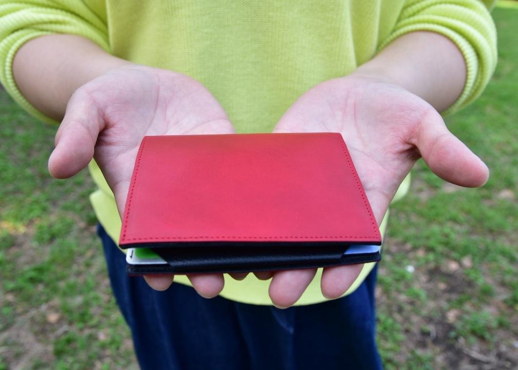厚さ6mmだけど大容量の薄型財布「Tenuis3 Leather TL」の実力とは?