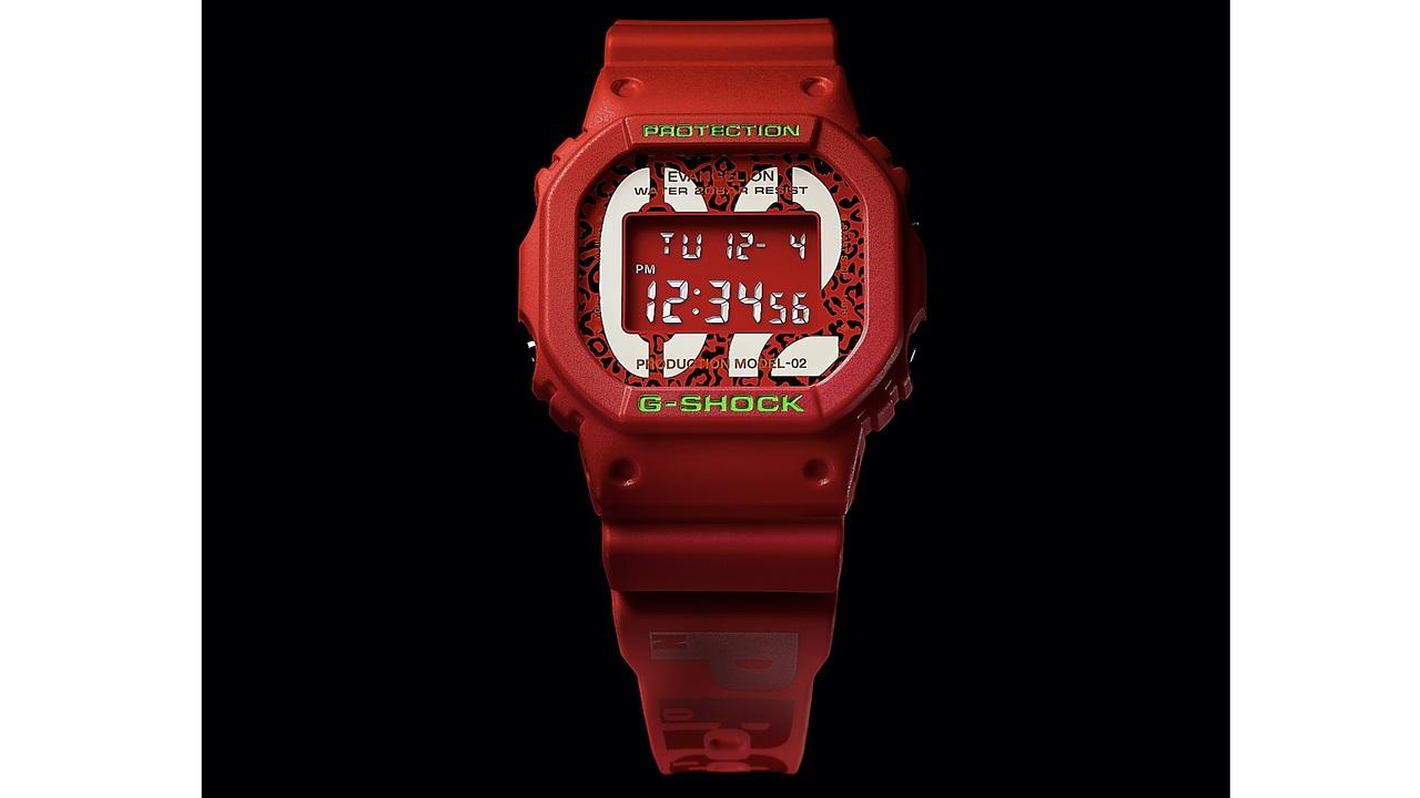 G-SHOCKの定番「DW-5600」、真っ赤なエヴァ弐号機THE BEASTモデルで登場