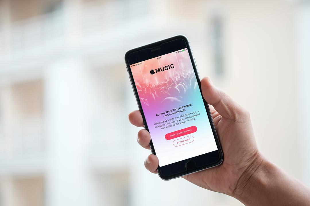 「AirPods、Apple Musicのロスレス再生できない問題」アプデで解決できる?