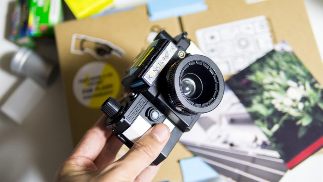 ロモグラフィーの「DIYアナログ一眼レフカメラ」で休日を満喫! お散歩の新しい相棒ができました
