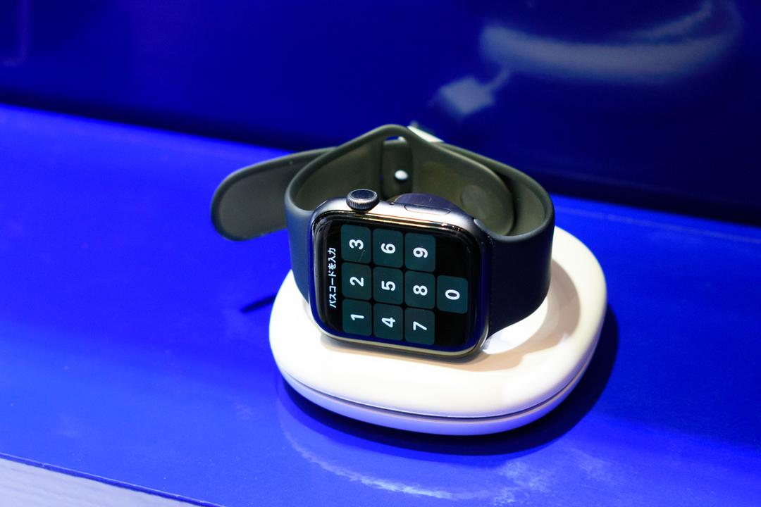 スマート&コンパクト。Ankerから「手軽に使えるApple Watch充電器」が2タイプ登場