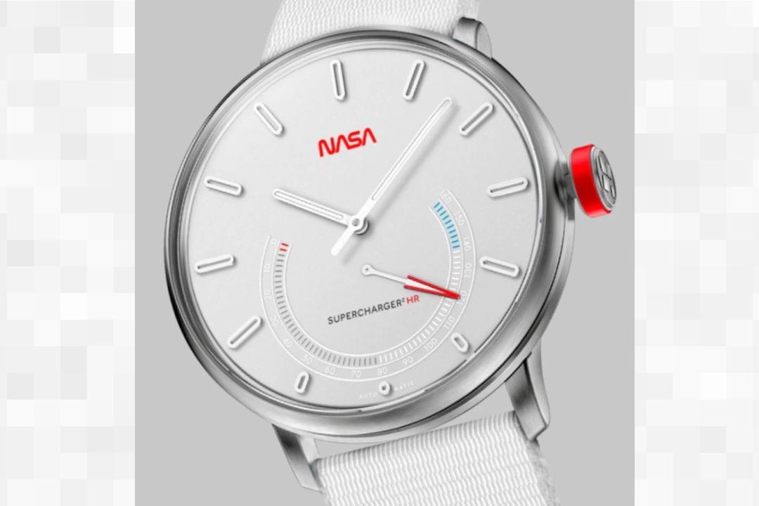 限定NASAモデルがカッコ良い。チタン製自動巻きスマート腕時計「Titanium Elektron」