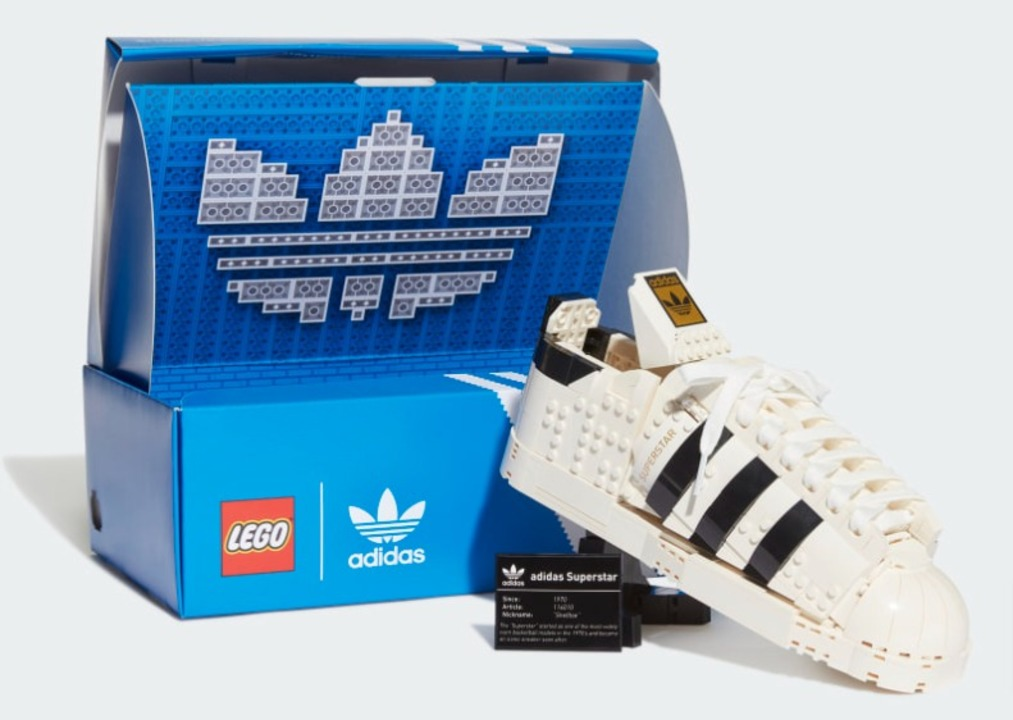 飾って楽しもう。レゴがアディダスのスーパースターになった!