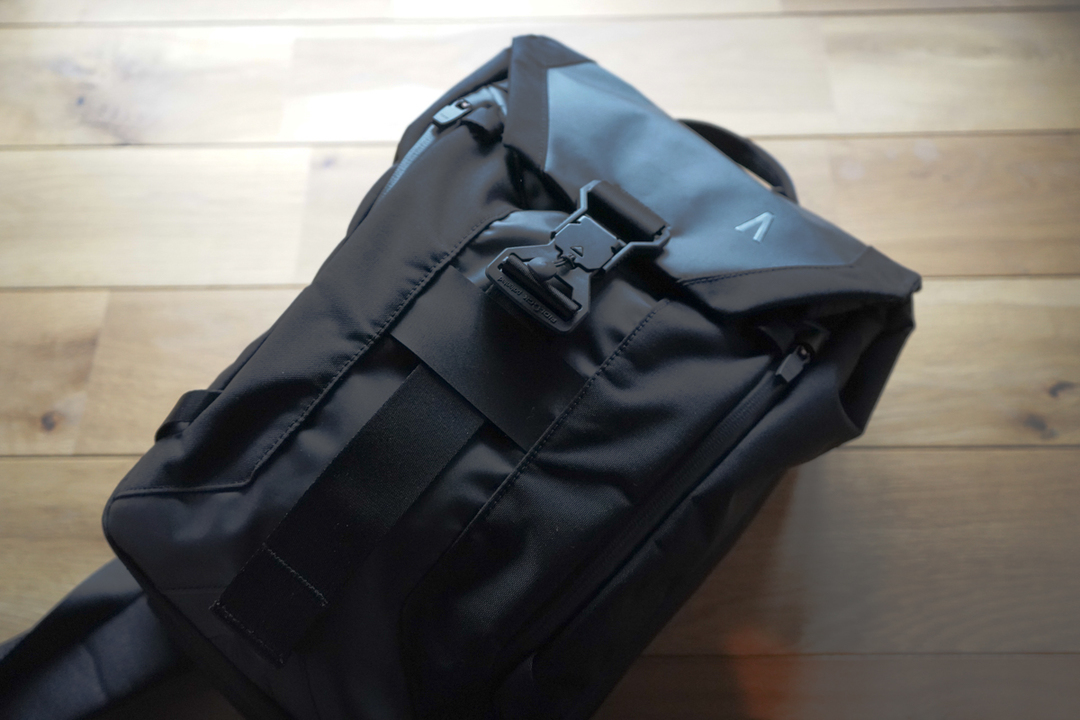 ノートPCも入るよ! 収納力と軽快さを両立した多機能スリングバッグ「Arclite」を使ってみた