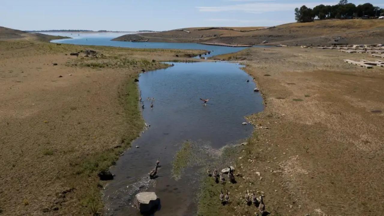 カリフォルニアの干ばつのおかげで見つかった飛行機は、56年前に墜落した機体かも