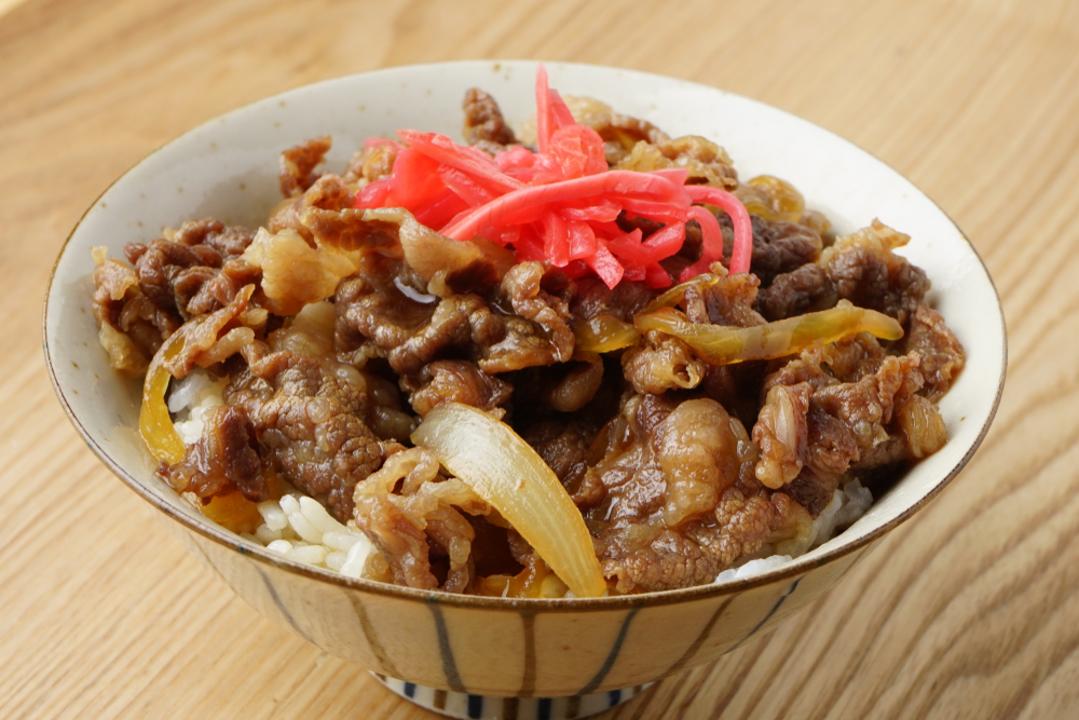 【Amazonプライムデー】おなか空いたなー。牛丼食べたいなー。え? 吉野家&松屋の牛丼がセールになってるって!?