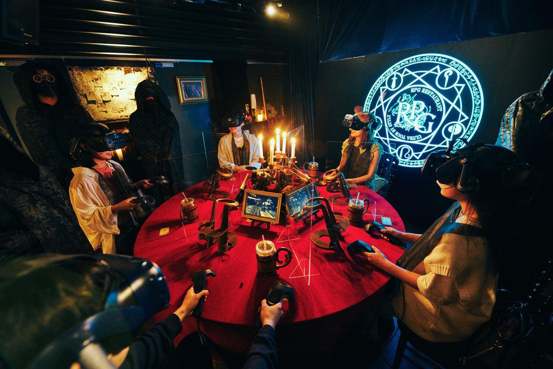 VRで異世界転生!「RPGレストラン」で、伝説の勇者とともにファンタジー世界の料理を食べてきた