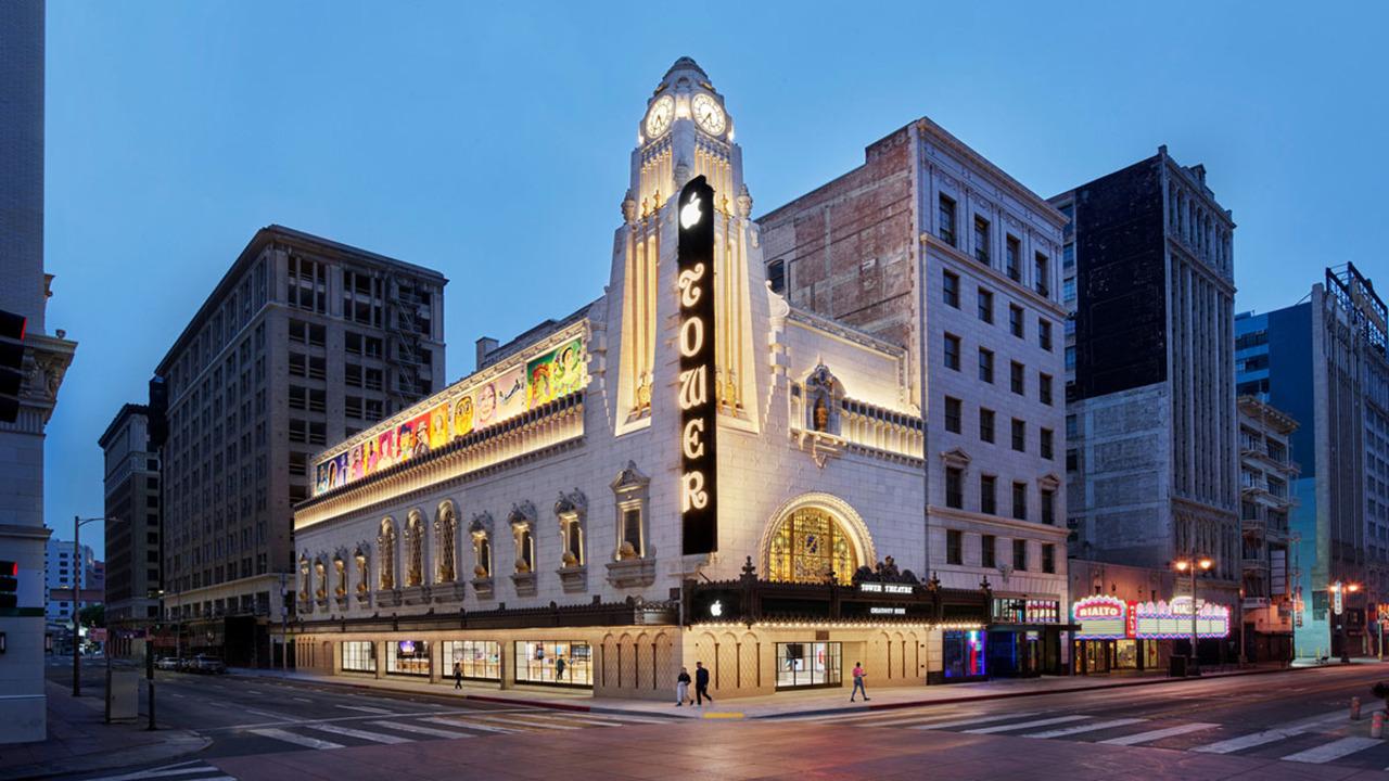 一度は行きたい! 歴史ある劇場を活用したLAのゴージャスなApple Store