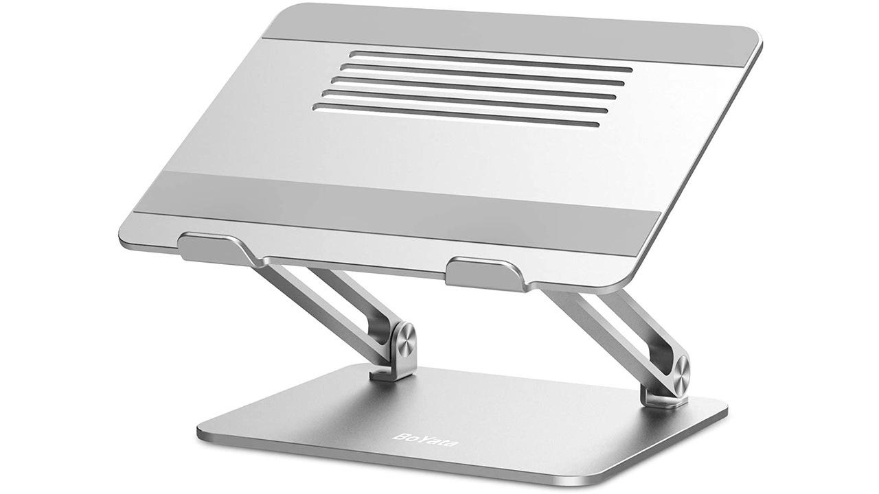 暑い季節、ノートPCを効率よく放熱させるならノートPCスタンドがいいよ。Amazonで安くなってるし