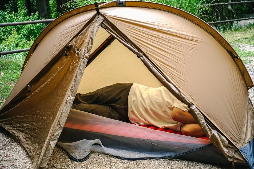 テントは1人1張りがいいかも? 連結拡張できるオールインワンソロテント「Rhinowolf 2.0」を試してみた