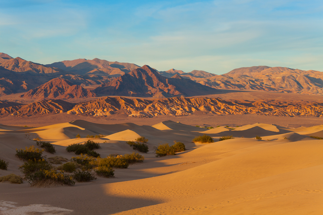 デスバレーで地球上最高気温に限りなく近い、灼熱の摂氏54℃を記録