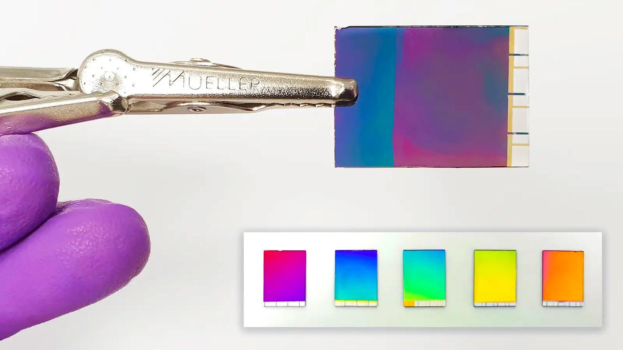 液晶なみにキレイな映像が出る電子ペーパー
