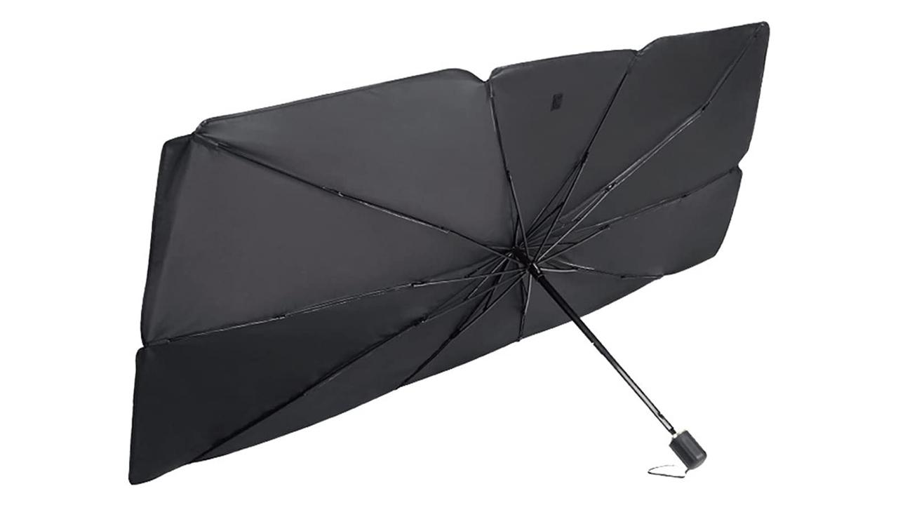 折り畳み傘式で小さくなる車用サンシェード。レフ板にも良さそう!