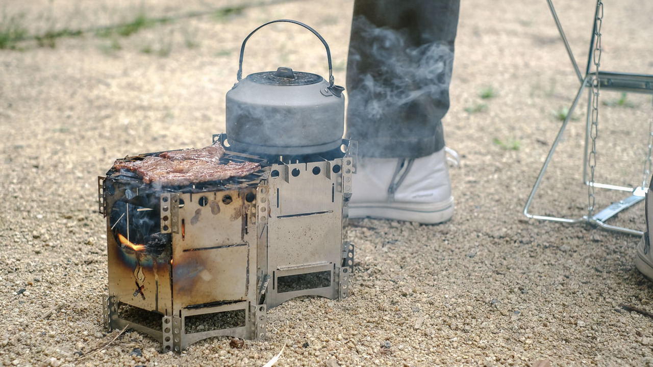 拡張もできるよ! ソロから2〜3人用にもぴったりなコンパクト焚き火台&グリルを使ってみた