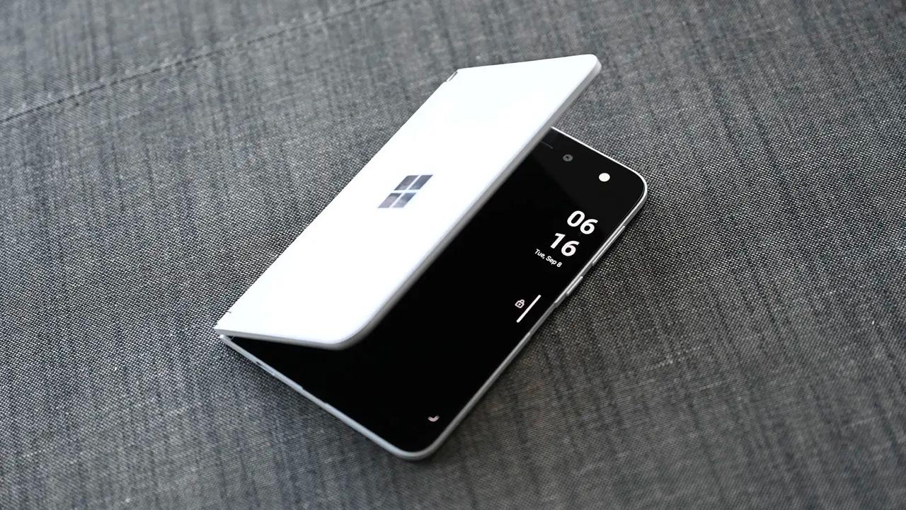 今年秋に登場予定の「Surface Duo 2」がリーク…! カメラがパワーアップするっぽいので次こそ日本に来て