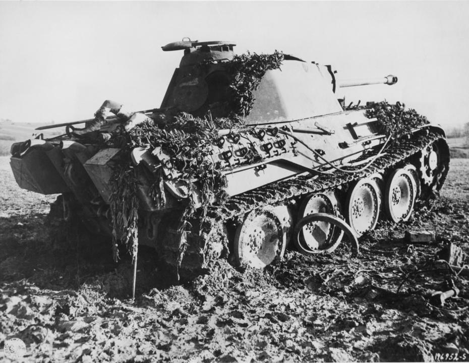 地下室にナチス時代の戦車を保管していた人、罰金を科される