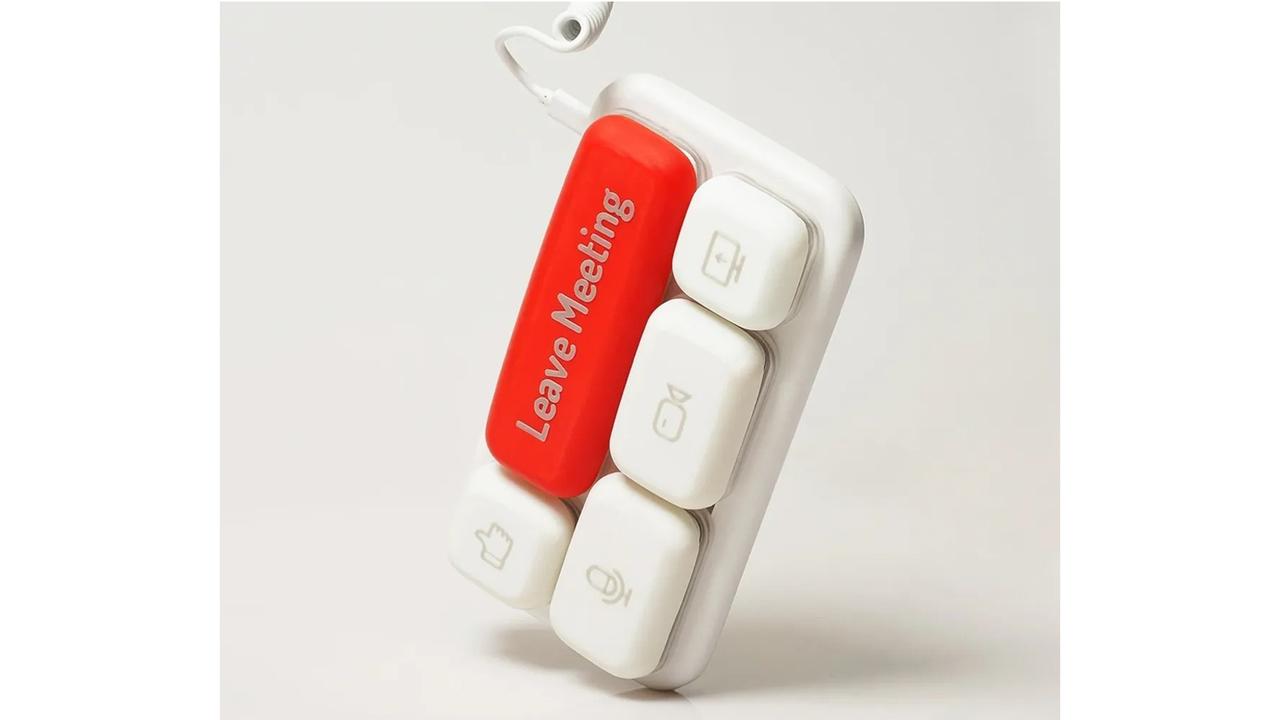 """デッカいボタンがたった5つ。ビデオ会議の""""うっかり""""を防げる専用キーボード"""