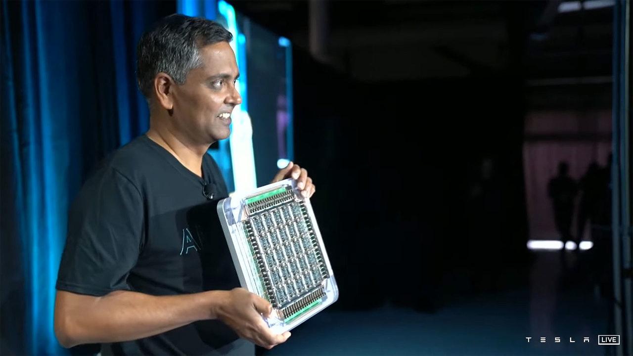 Teslaボットは人間だけどこっちは本物。TeslaがスパコンDojoのD1チップ発表!