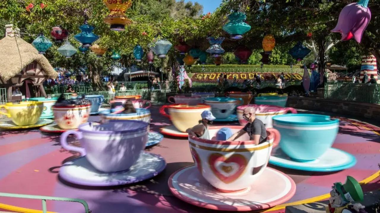 米ディズニーランドが「ファストパス」を廃止