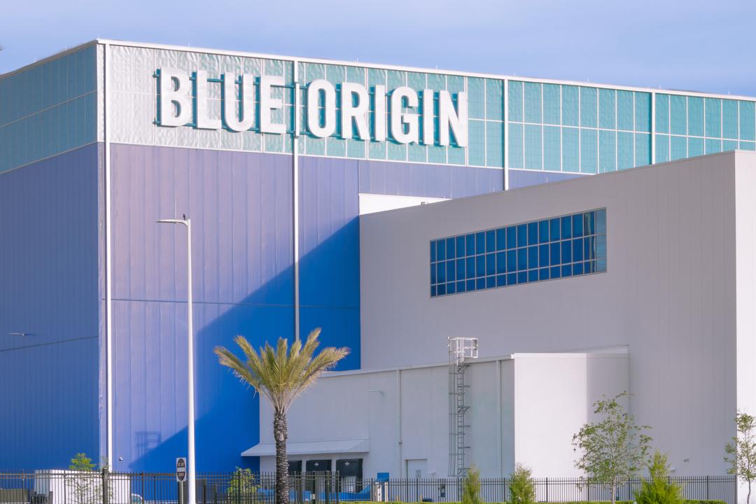 ベゾスの宇宙企業Blue Originから人材流出が止まらない!
