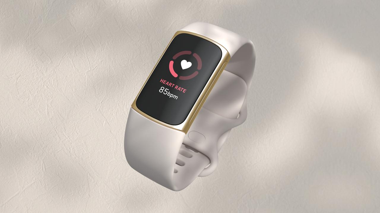 スリムで滑らかなフォルムが新印象なアクティビティトラッカー「Fitbit charge 5」