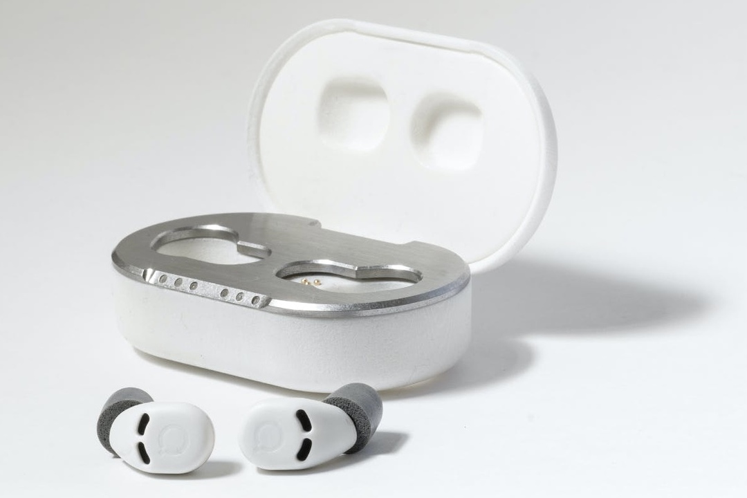 睡眠時の防音対策に。ノイキャン機能を搭載した小型イヤープラグ「QuietOn3」