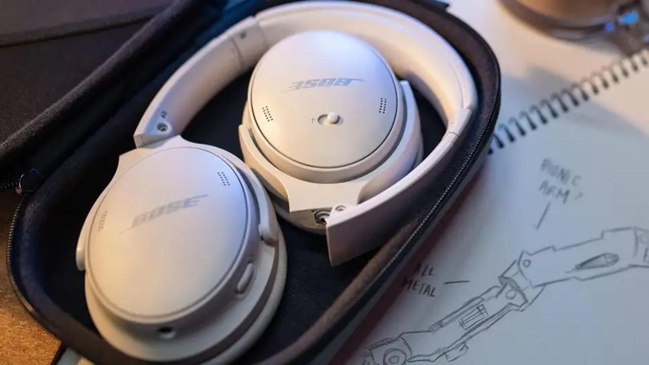 ボーズが最新ヘッドホン「QuietComfort 45」発表! ノイキャン機能アップに加えUSB-Cにも対応