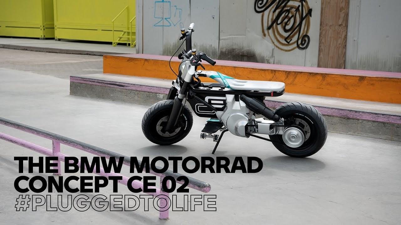 ステップ部分にスケボーが乗る。BMWからストリートなEVバイク「Motorrad Concept CE 02」