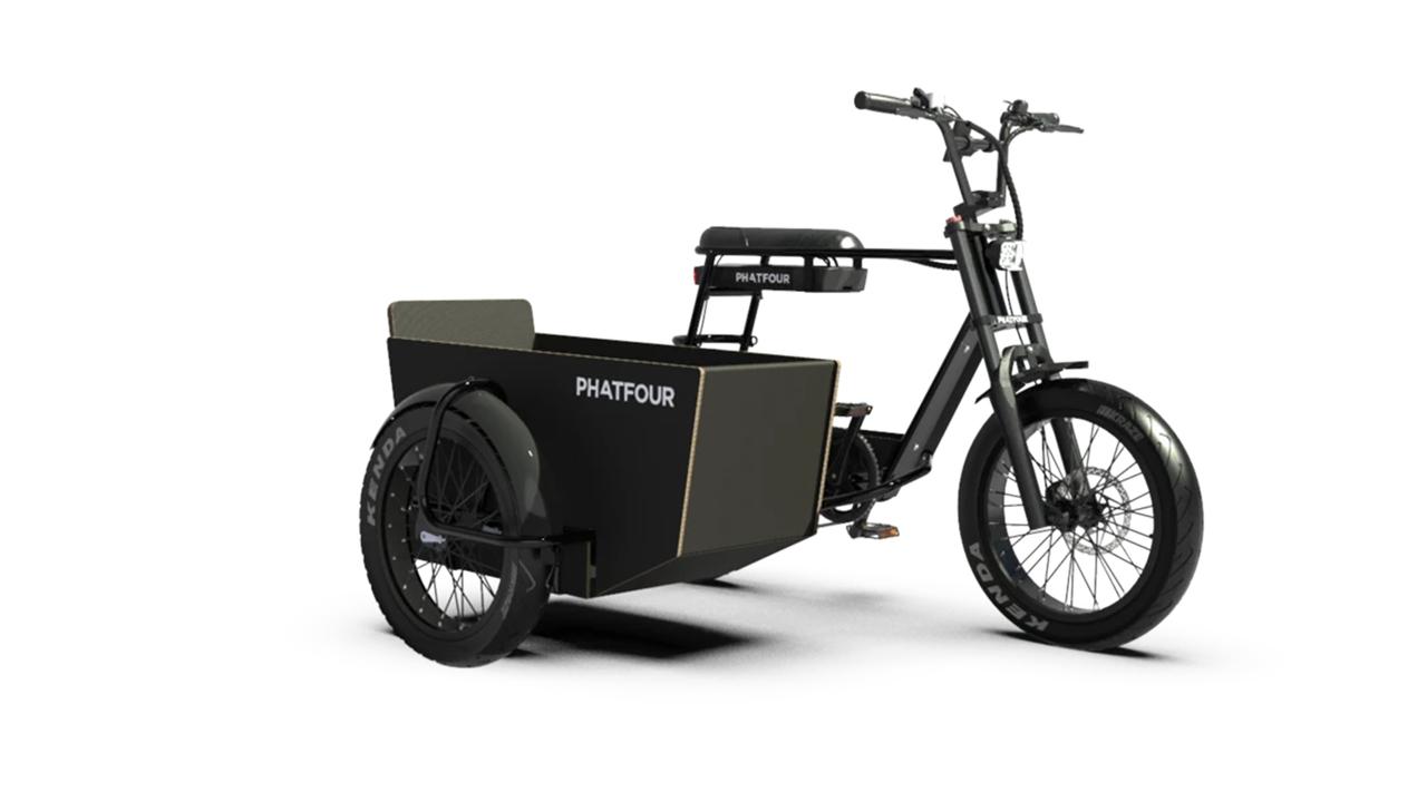 ご近所ツアーに最適っぽい。電動バイクにサイドカーをつけるという選択