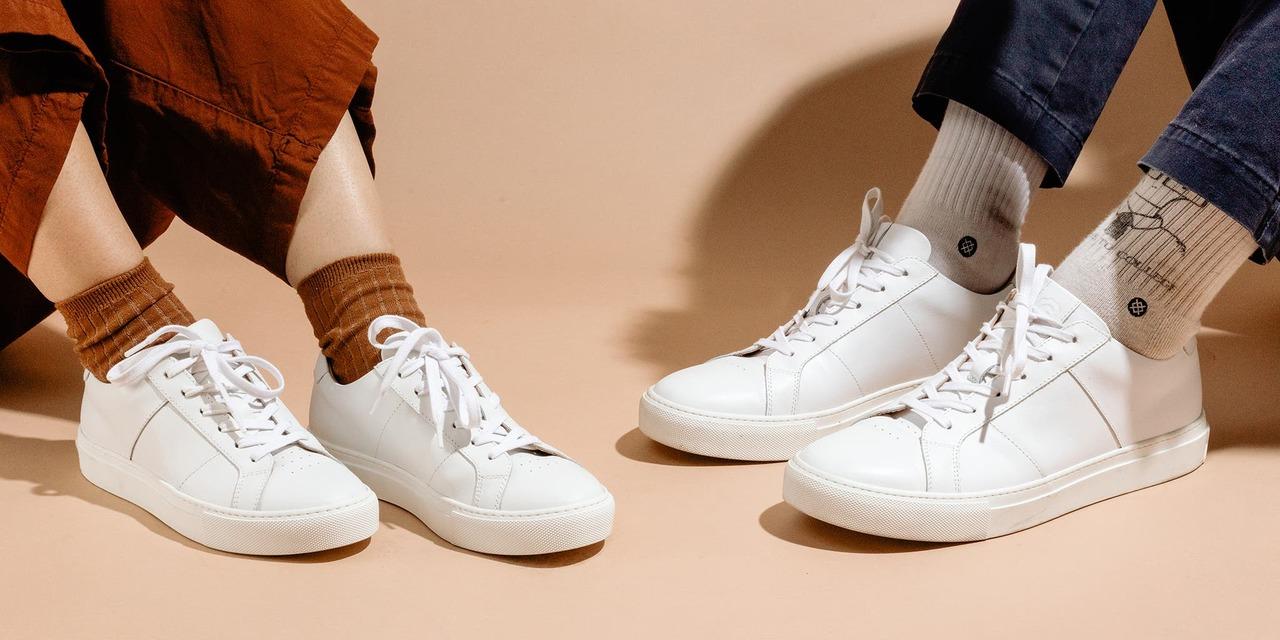 おしゃれで快適な白スニーカーおすすめ5選。コンバース、ナイキなど人気ブランドが勢揃い