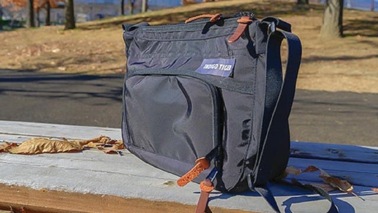 必要なモノは適宜スマートに取り出す。多機能ショルダーバッグ「Smash bag」が登場!