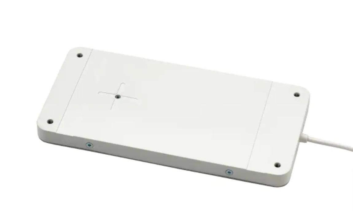 いろんな家具を充電器にするぞ。イケアから家具の天面がワイヤレスチャージャーになるQi充電器。