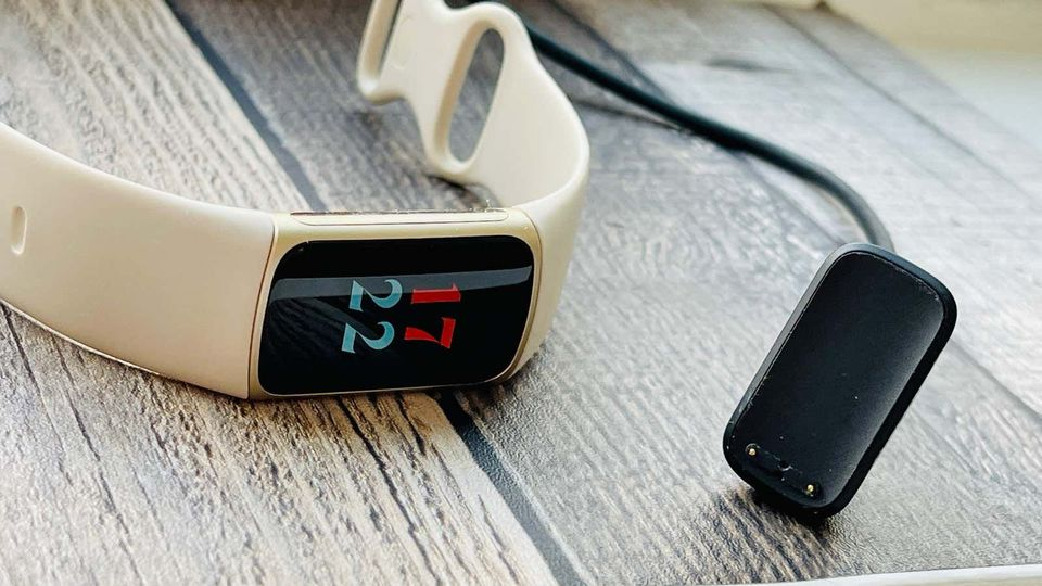 210922_fitbitcharge5rev4
