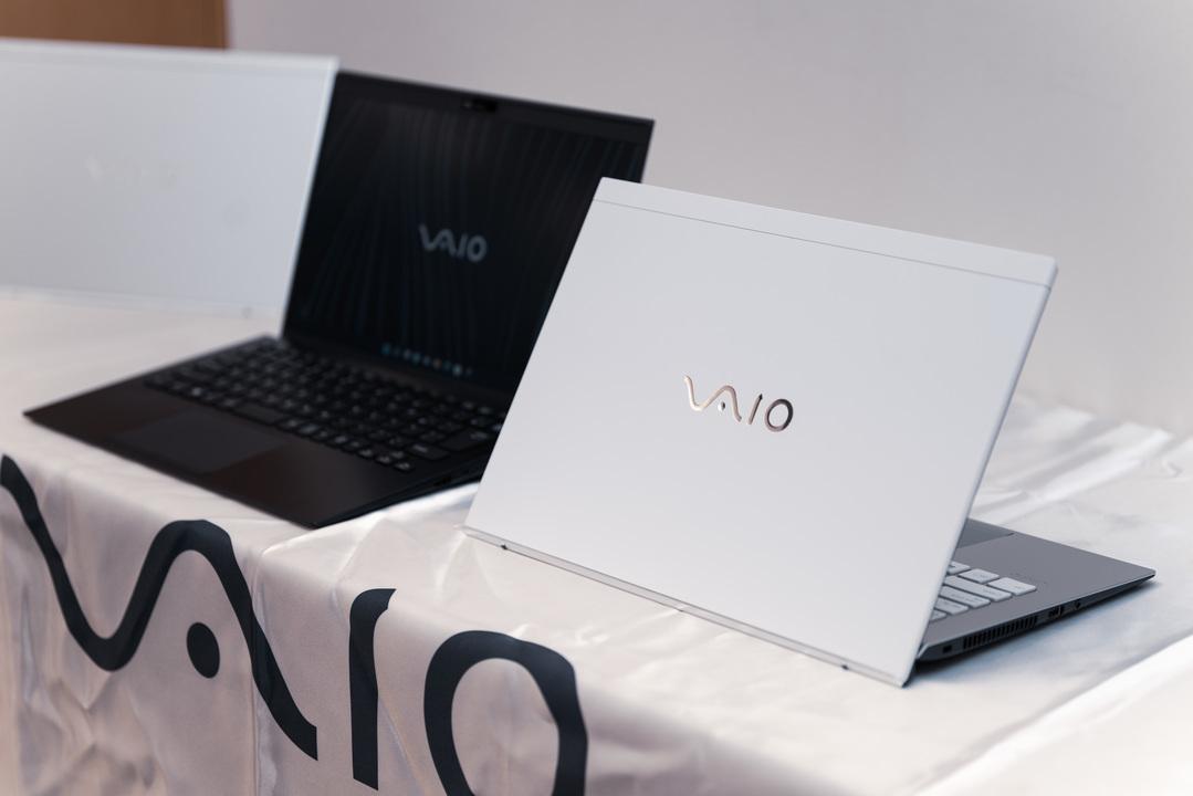 軽くて強い。Zの思想を受け継ぐビジネスモバイルPC「VAIO SX12/SX14」