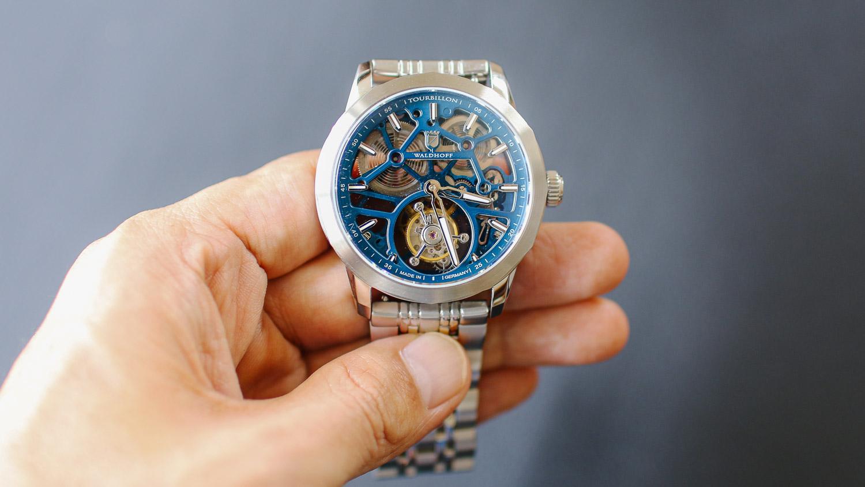 手が届く最高峰技術。ドイツ発トゥールビヨン時計の先行販売が終了間近