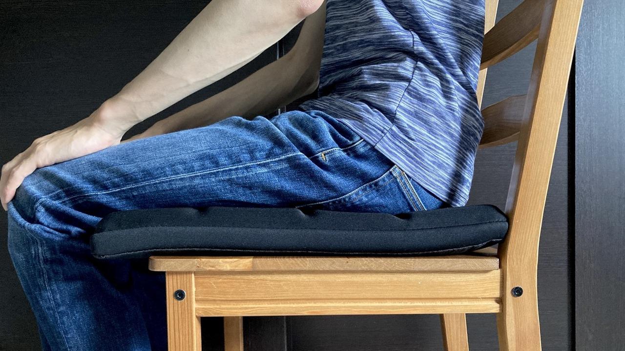 テレワーク中の椅子、いまだにしっくりこない問題を解決したのは「ゲーミング座布団」でした