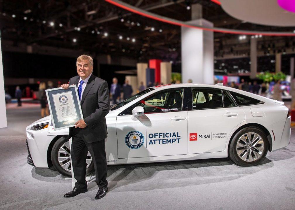 トヨタ「ミライ」が水素燃料満タンから無補給で1,360kmを走破しギネス世界記録を樹立